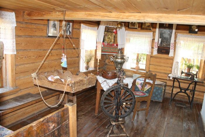 В доме поэта Александра Васильевича Ширяевца (Абрамов)