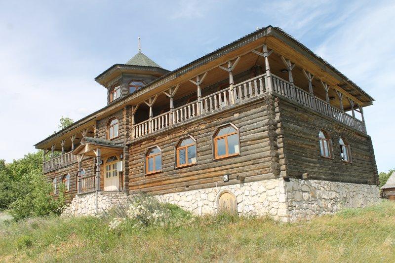 Княжий терем и исторический музей Богатырской Слободы
