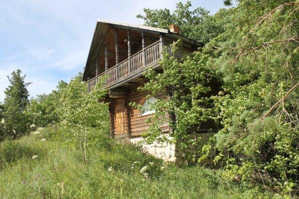 Дом на берегу реки Уса