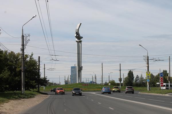 Стела Ладья в Тольятти