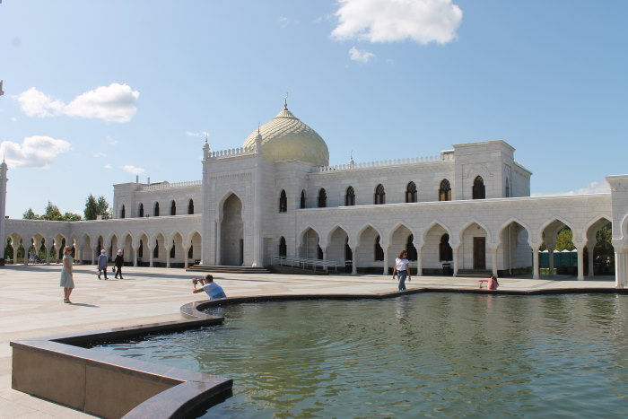 Комплекс зданий Белой мечети