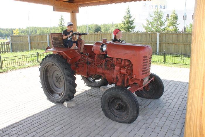 Трактор в музее хлеба