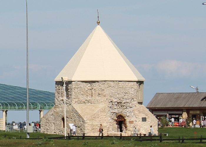 Восточный мавзолей памятник XIV века
