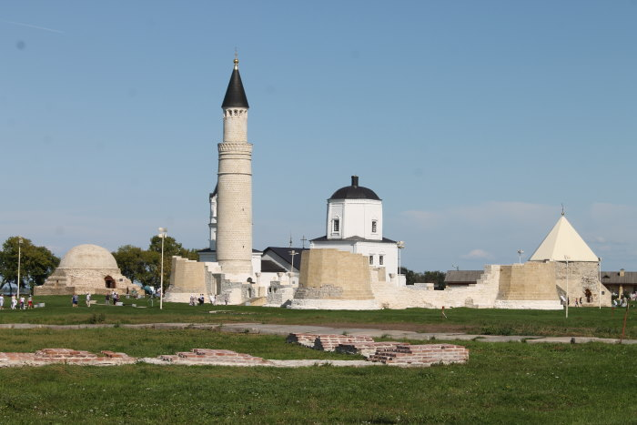 Соборная мечеть памятник архитектуры XIII века и «Большой минарет»