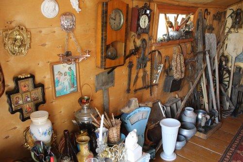 Коллекция древних экспонатов