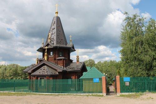 Храм во имя святого преподобного Александра Свирского Чудотворца