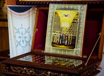 Частицы святых мощей преподобных отцов Киево-Печерских