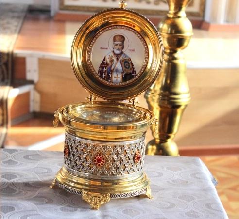 Ковчежец с мощами Святителя Николая, архиепископа Мир Ликийских Чудотворца