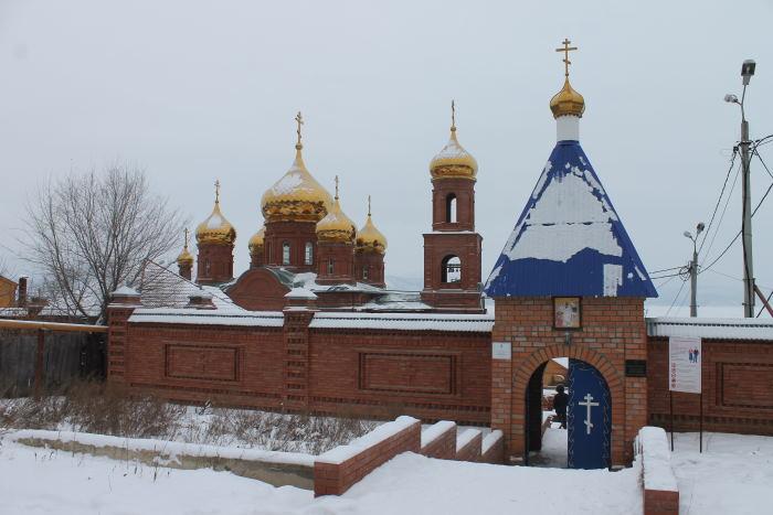 Вход в Воскресенский мужской монастырь г. Тольятти