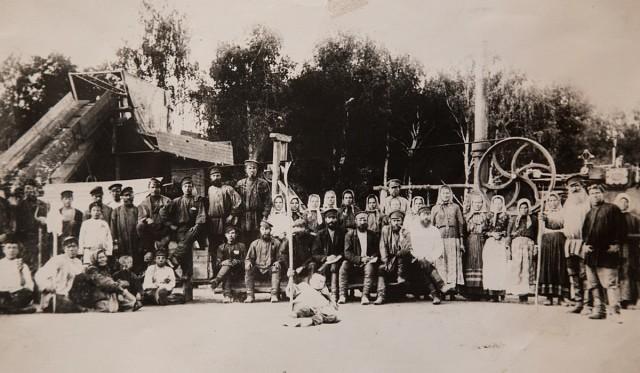 Фотография рабочих села Усолье