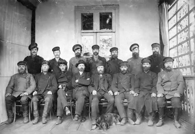 Фотография служащих Усольской усадьбы графа Орлова-Давыдова, начало ХХ века.