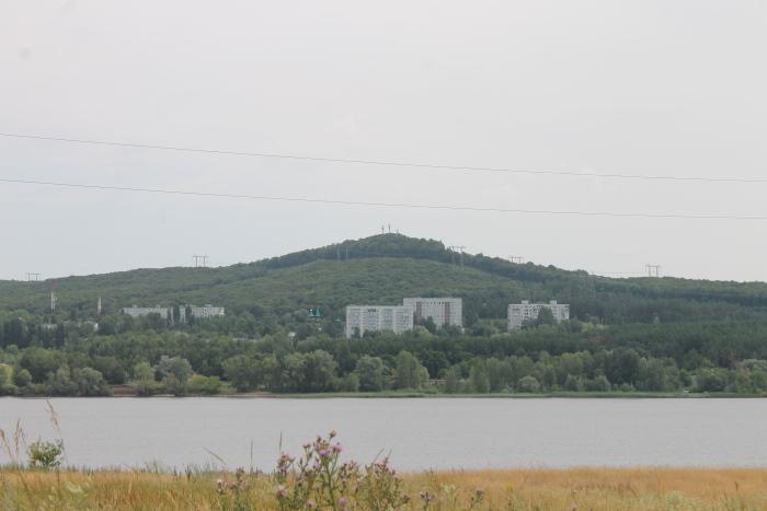 Вид на гору Светелка со стороны села Усолье