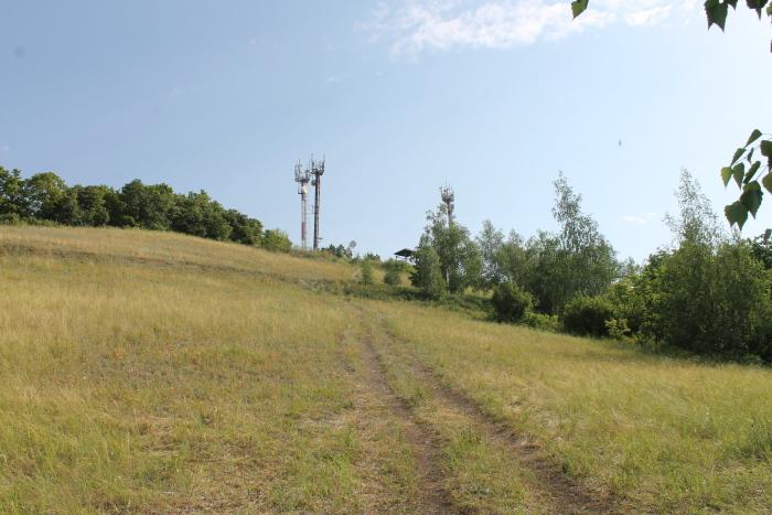 Тропа к вершине горы Светелка